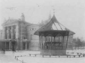 Paddehatten avbildet 1899. Oslo museum.