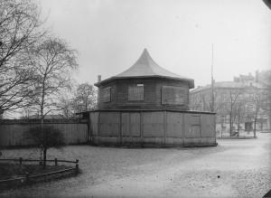 Fritzners paviljong før rivingen i 1899. (Foto: Gustav Jensen 1899, Oslo museum)