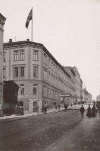 Scandinavie i Karl Johans gate 8 i 1900. (Foto: Oslo museum)
