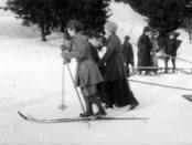 Vinter i Nordmarka 1917. Foto: Anders B. Wilse, Oslo museum.